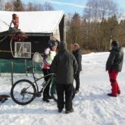 12. Tento způsob sportování zdá se být v zimě poněkud netradiční.